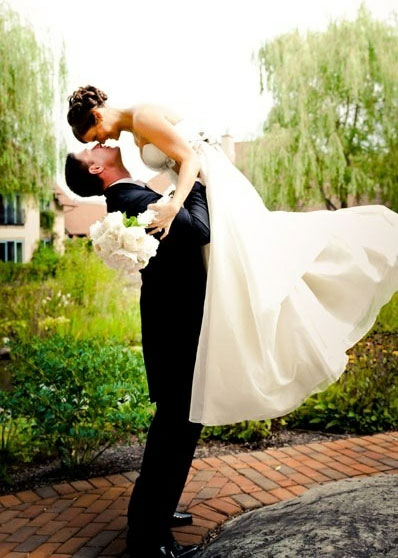 Jenni-Jwoww-Farley-Wedding-Bride-and-Groom-Cute-Poses-Picture-Ideas-17.jpg
