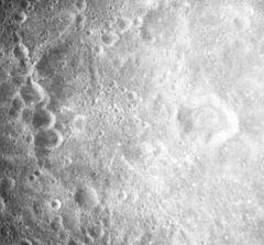 Love_crater_AS17-M-0713.jpg