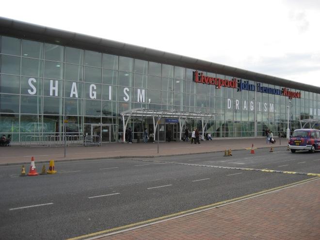 Liverpool_John_Lennon_Airport-2006-09-28.jpg