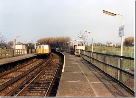 Woodlands_Road_railway_station_in_1989